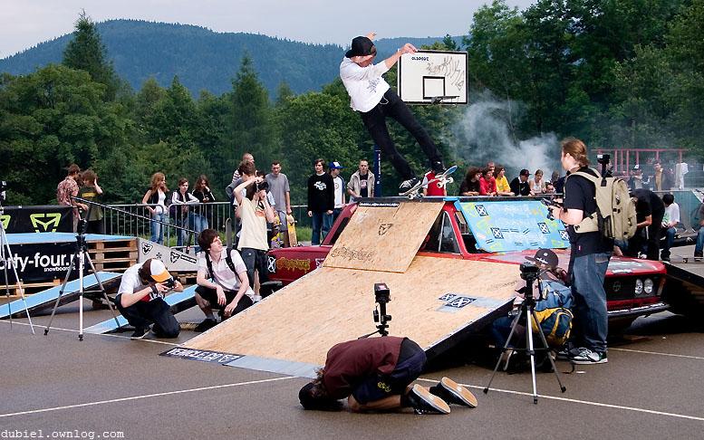 Vehicle Skate Picnic