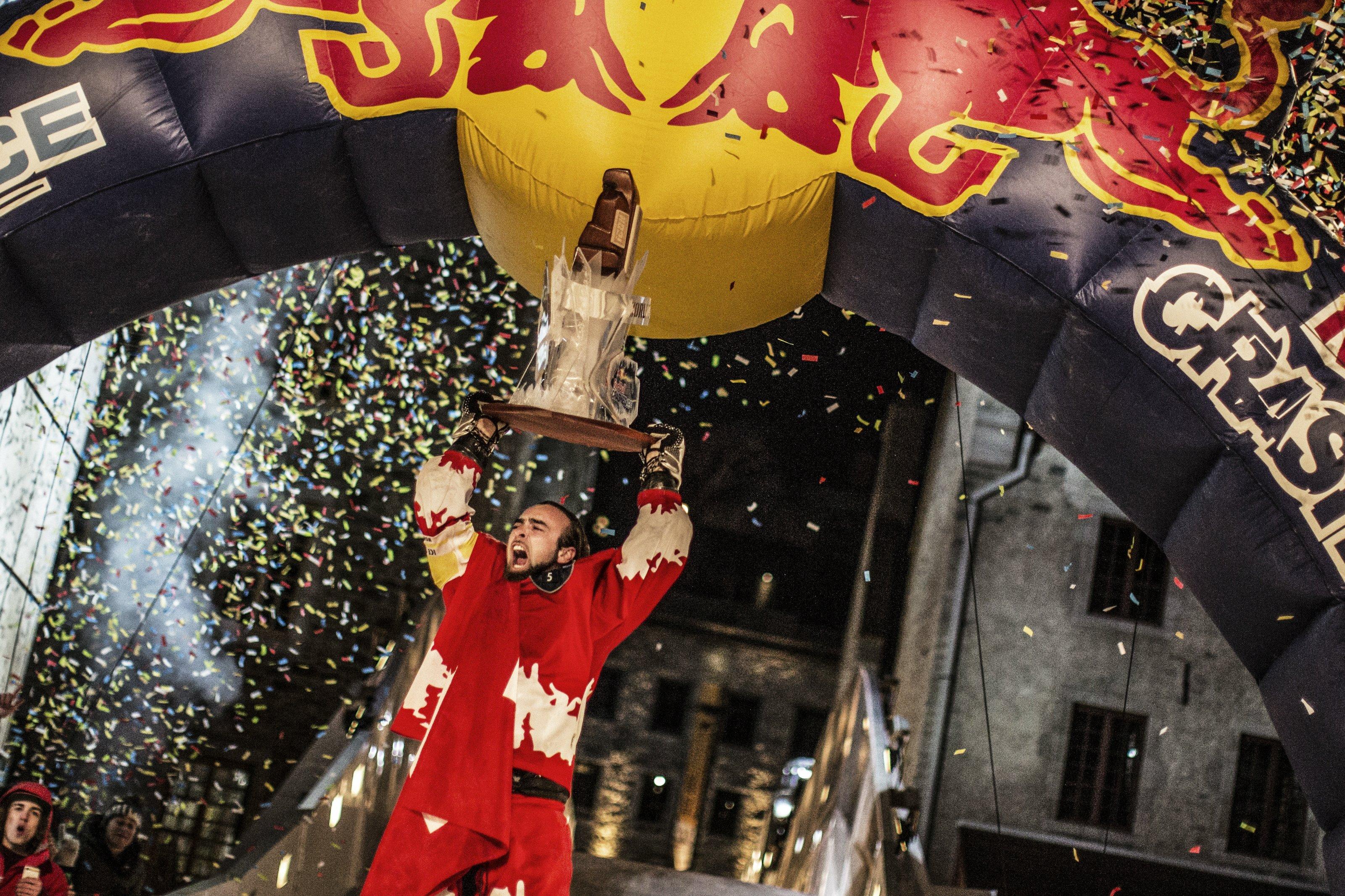 Derek Wedge (SUI) foto: Balazs Gardi Red Bull Content Pool