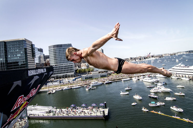 Red Bull Cliff Diving 2013 - Boston