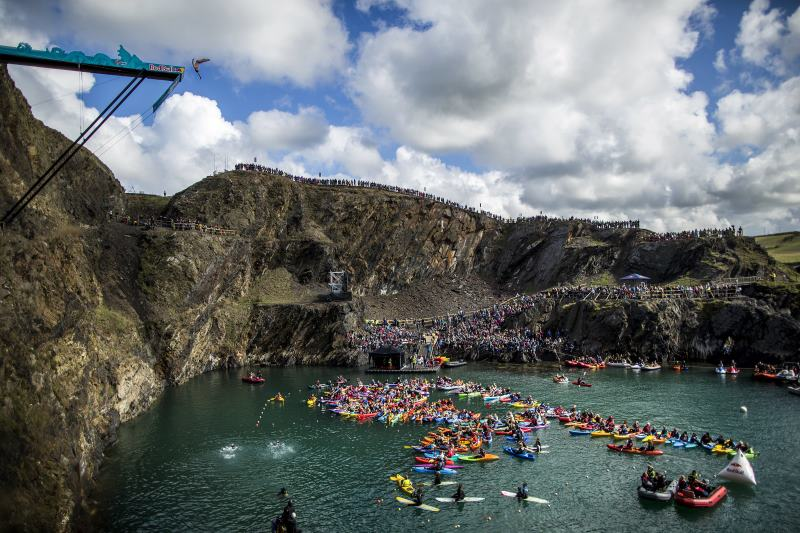 Red Bull Cliff Diving 2013 Walia