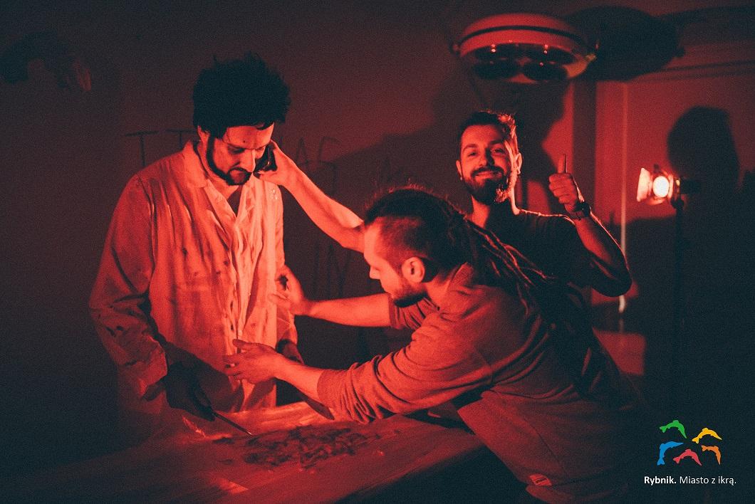 Od lewej - GrubSon, Wojtek Lech i reżyser Michał Jagiełło. Fot. Michał Schwierc