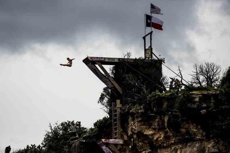 Red Bull Cliff Diving - Texas_Kris Kolanus