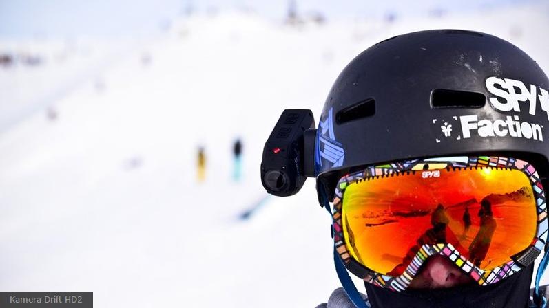 Kask narciarski z kamerką