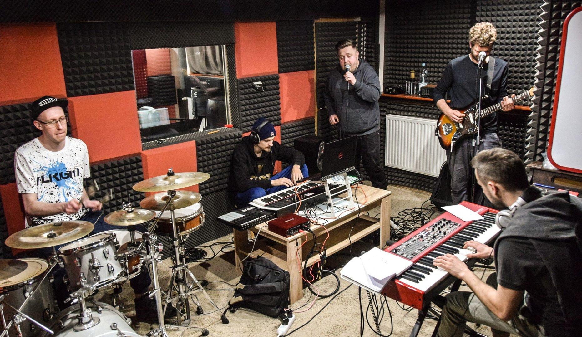 Chonabibe w studio
