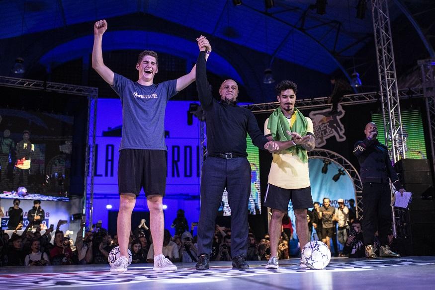 Erlend Fagerli_Roberto Carlos podczas ogłoszenia wyników