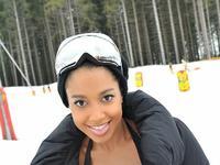 Patrycja Kazadi - bikini skiing 2013