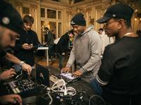 Wspólny set zagrany przez 40 DJów w Teatrze Słowackiego