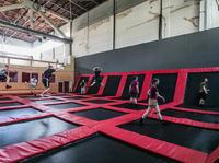 Hangar 646 - Pierwszy park trampolin w Warszawie już gotowy