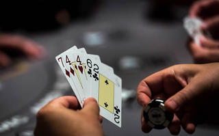 Facebook AI forces poker pros to fold in Texas Hold'em tourney