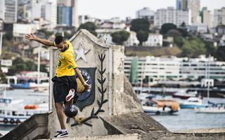 Brazylia świątynią piłkarskiej żonglerki!