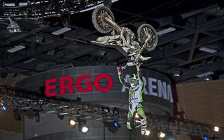 Diverse NIGHT of the JUMPs – MŚ FMX wracają do ERGO ARENY