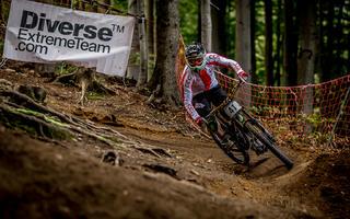 Diverse Downhill Foto Contest: ustrzel zdjęcie i wygraj!